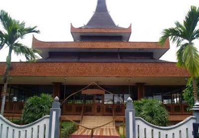 desain rumah bentuk rumah adat suku di indonesia 6 10