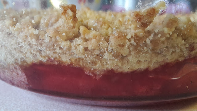 Project 365 2015 day 243 - Apple & Raspberry crumble // 76sunflowers