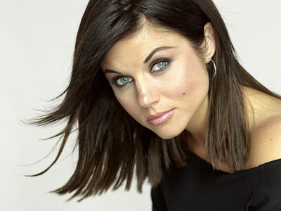 Tiffani Thiessen Blue Eyes Wallpaper
