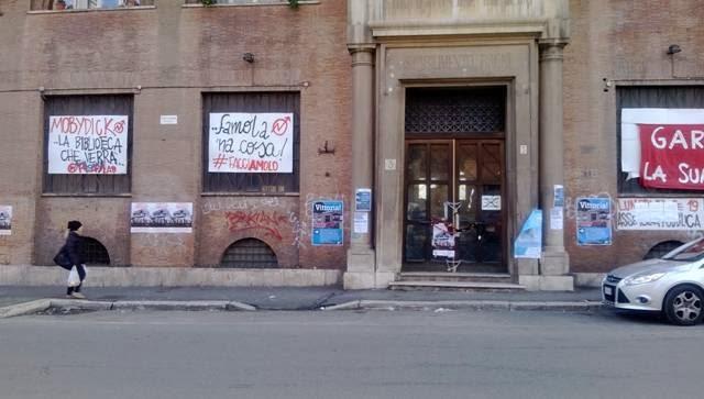 Degenerazione urbana chiusi i bagni pubblici di piazza roma youtube