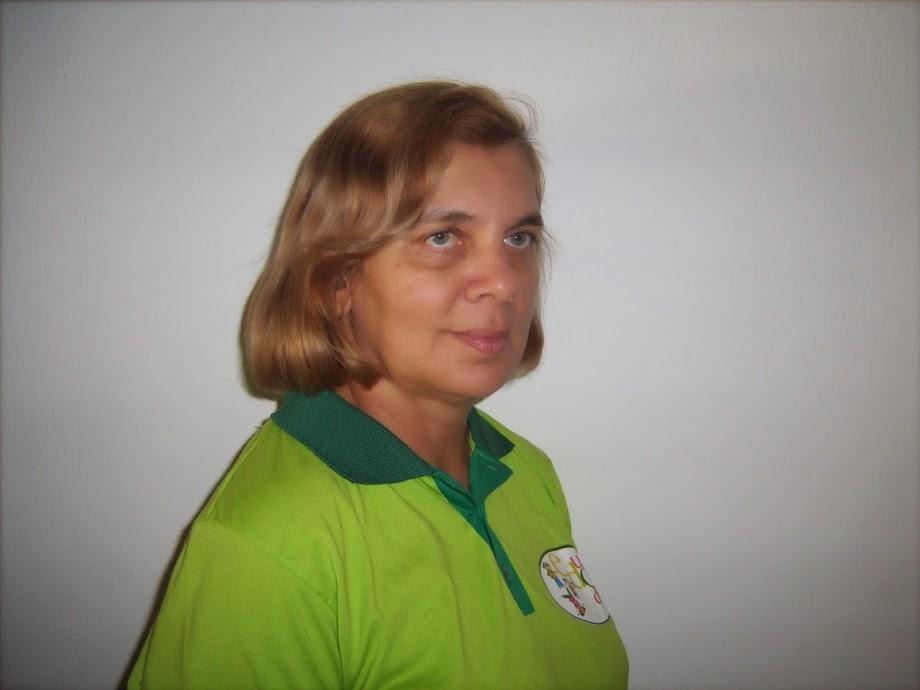 Coordenadora da Escola Aila