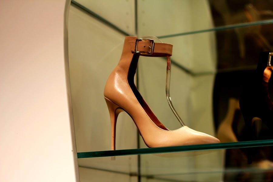 creme farbender high heel