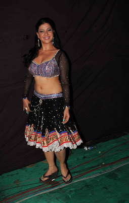 sambhavna seth poses after live dance performance hot images