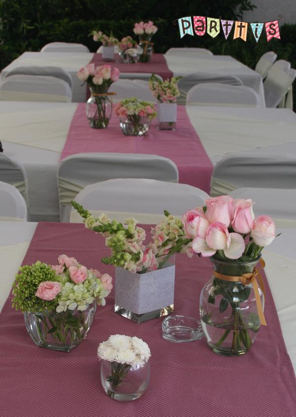 Parttis renta de sillas y mesas para eventos for Mesas y sillas para xv anos