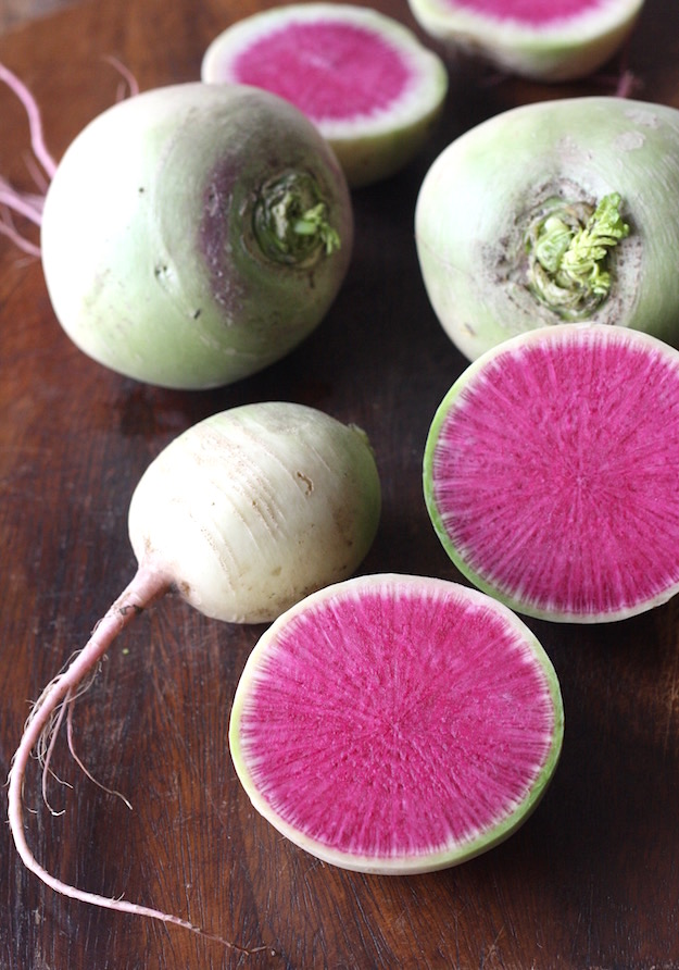 what does watermelon radish look like