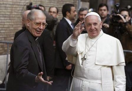 4.bp.blogspot.com/-2QfdmqYfFQg/VDqibbLxHTI/AAAAAAAAJT8/jt7LdGT3_Dw/s1600/Pope%2Band%2BSJ%2BGeneral.jpg