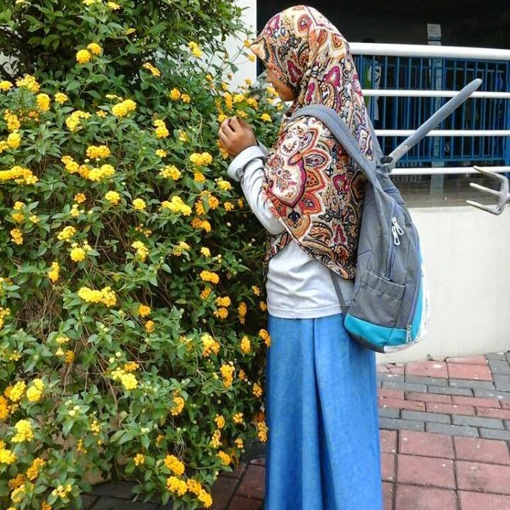 profil muslimah Yolla Eka Faulia