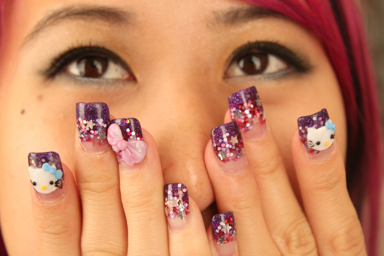 Nails design hello kitty beautify themselves with sweet nails celebrity nail designs hello kitty nail art prinsesfo Gallery