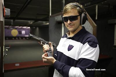 Стрельба из Desert Eagle  0.44 Winmag в Праге