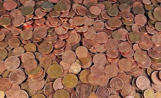Elle règle ses impôts avec 30 kilos de pièces jaunes