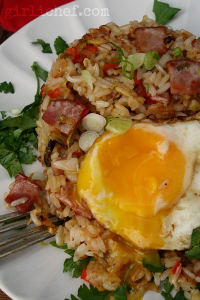 Kimchi Fried Rice {#SundaySupper: inspired by @SaraMoulton} | www.girlichef.com