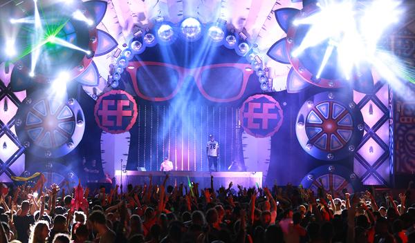 calientan-motores-Electric-Festival-Aruba