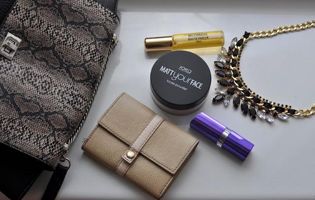 dlaczego warto mieć przy sobie małe perfumy
