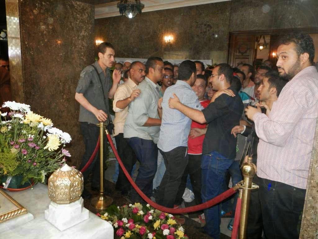 بالفيديو الصور محمود يعتدي أصدقائه P7230067.jpg