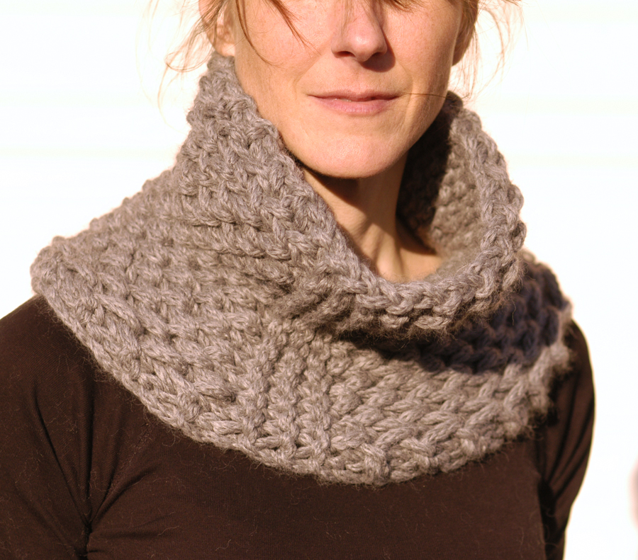 Knitted Scarf Pattern With Pointed Ends : Knit 1 LA: the Brioche Honeycomb Cowl