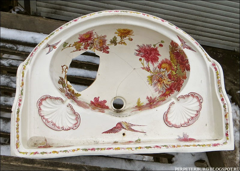 Антикварная раковина на блошке в Питере