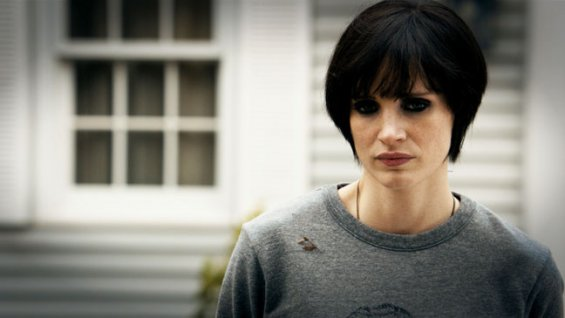 Jessica Chastain as Annabel looking grim Mama 2013 movieloversreviews.blogspot.com