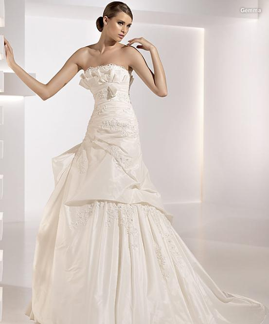 Bridal Gowns Kuwait : Confashions from kuwait dear confashion i want to sell