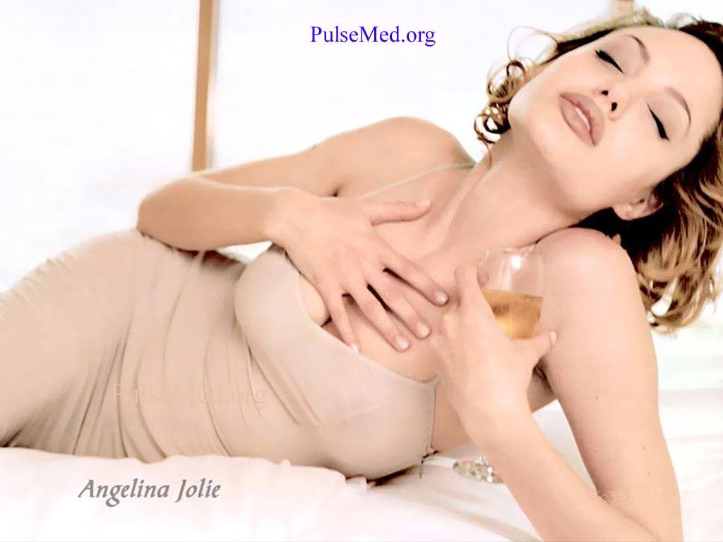 http://4.bp.blogspot.com/-2SuL3q3ruP8/TmsHMc1EpXI/AAAAAAAACe4/Z4ka1ucJqH4/s1600/1138928521_1024x768_angelina-jolie-hot-pic-free-angelina-jolie-pic.jpg