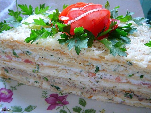 Рыбный торт из слоеных коржей