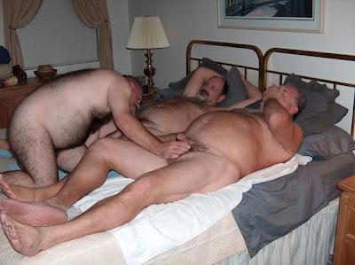 Sexo à três, Ménage à trois, ENTRE HOMENS GAYS É TESÃO TOTAL
