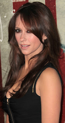 Jennifer Love Hewitt Long Wavy Cut Hairstyle