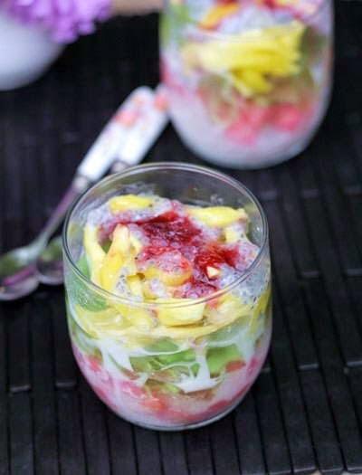Vietnamese Dessert Recipes - Sương Sa Hột Lựu