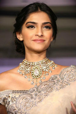 ... Kapoor Wallpapers, Bollywood Actress Sonam Kapoor Backgrounds