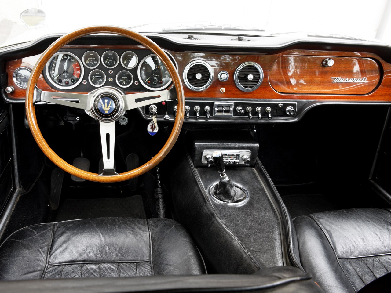interior car 1966 maserati mexico. Black Bedroom Furniture Sets. Home Design Ideas