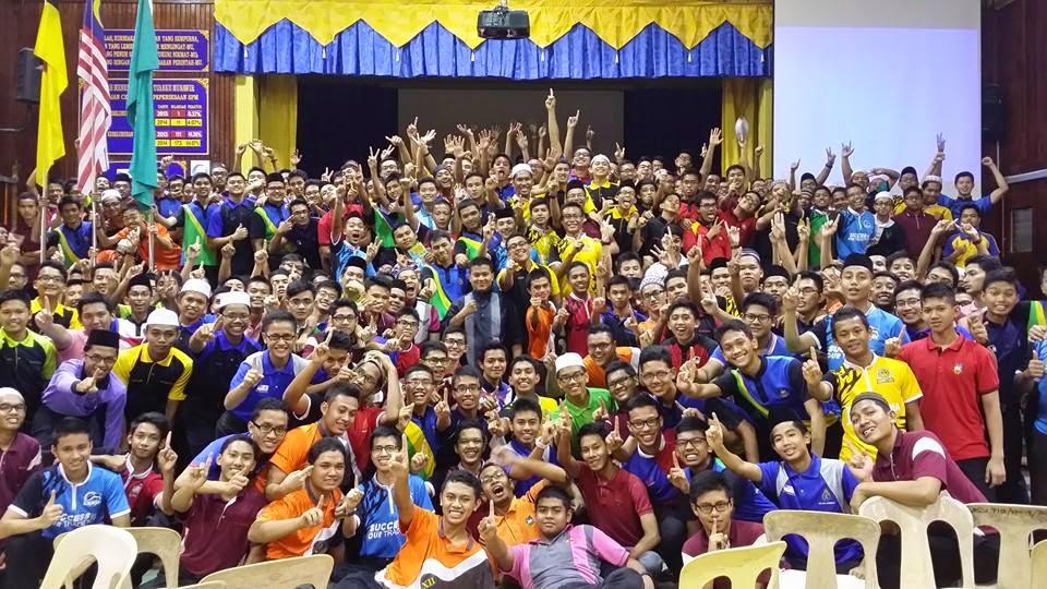 Bersama Form 5 SM Sains Tunku Munawwir SASER