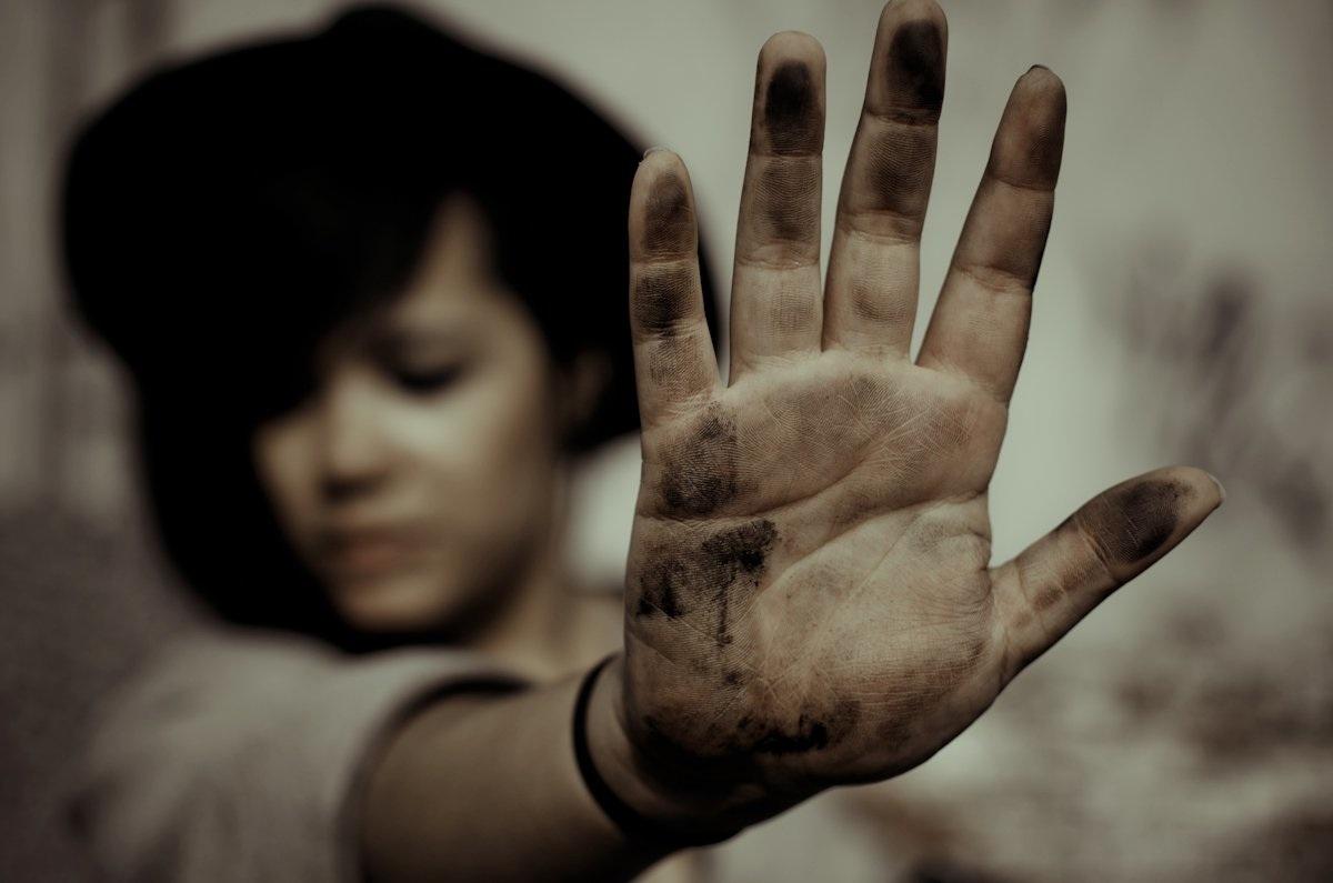 Hand dirty