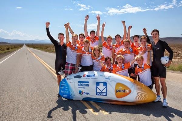 Bicicleta futurista pode chegar a 144km/h