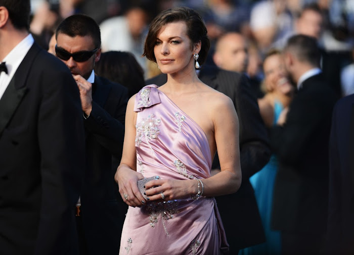 milla jovovich new latest photos