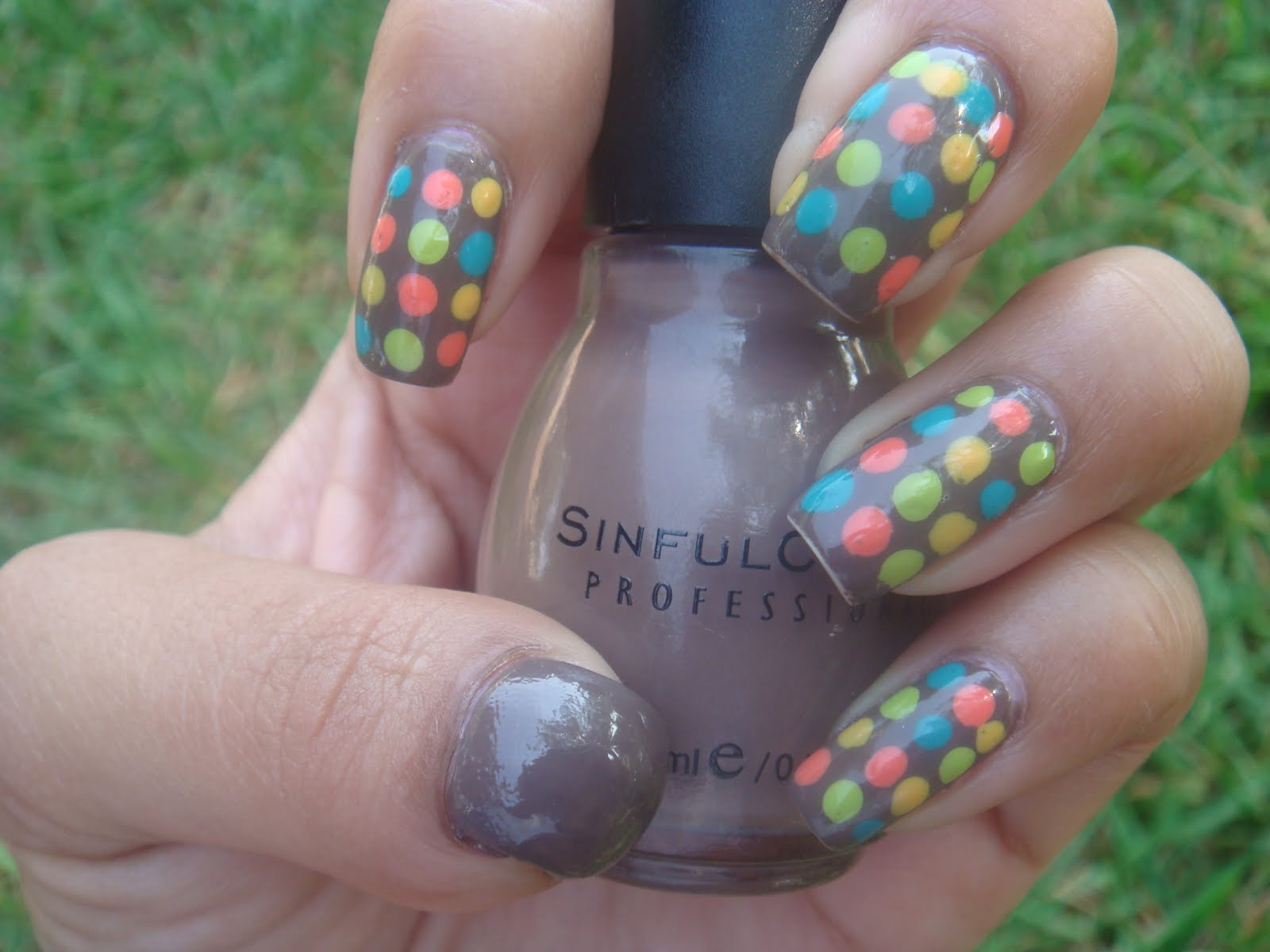 The Lacquer Room: Friday\'s Nail Art: Modern Dots