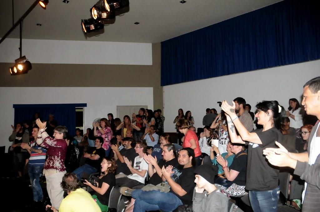 O público prestigiou e aplauidiu de pé a apresentação
