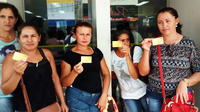 Famílias atendidas pelo Plano Mais IDH recebem cartão para sacar fomento