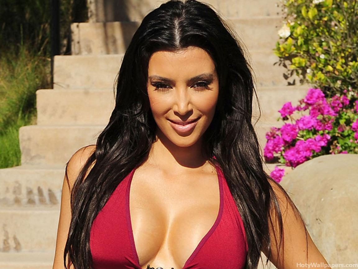 http://4.bp.blogspot.com/-2Ub7Bn8xL40/TXXHWVq3q7I/AAAAAAAAA3A/7BUYDunXgoU/s1600/kim_kardashian_hot_Actress_wallpapers_10.jpg