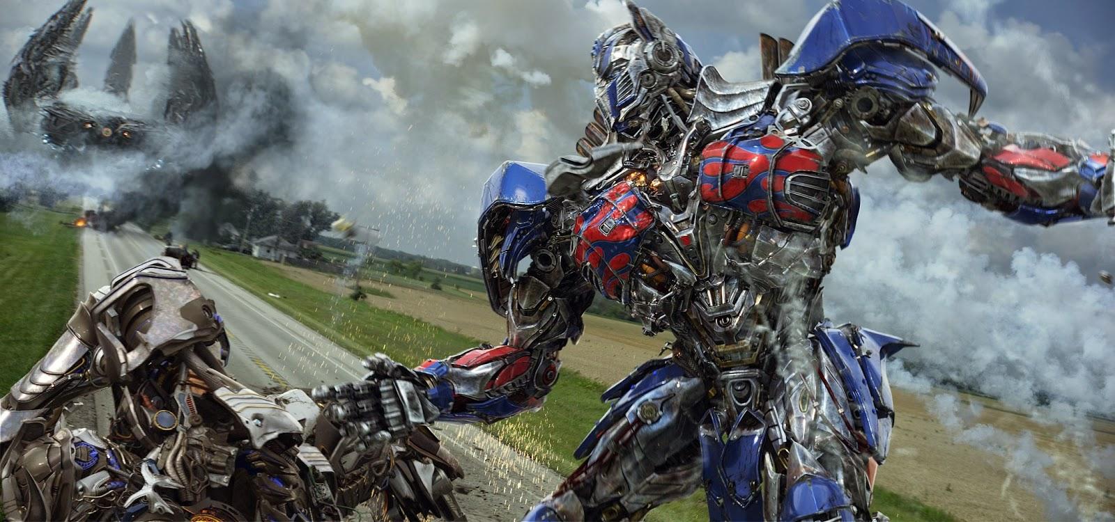 Optimus em campo, batalha de robôs, novos carros e artes conceituais inéditas de Transformers: A Era da Extinção