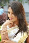 Eesha Ranganath Photos-thumbnail-19