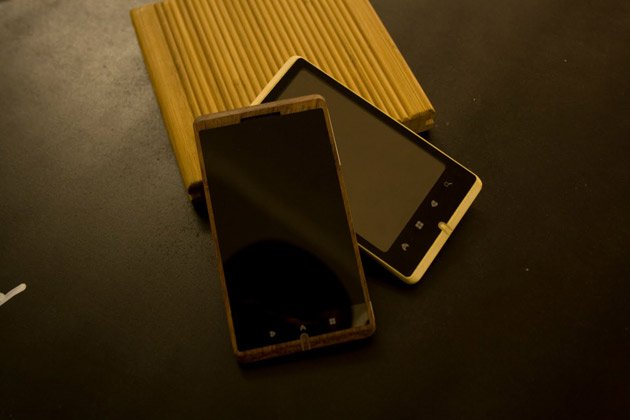 Pictures of World's First Bamboo Phone ADzero from London