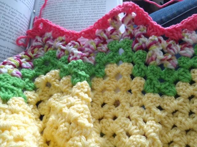 watermelon Granny Chevron blanket  |  knittedhome.etsy.com