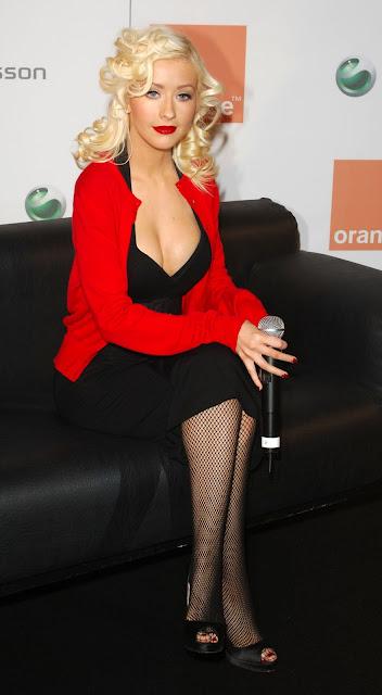 Pictures of Christina Aguilera 40