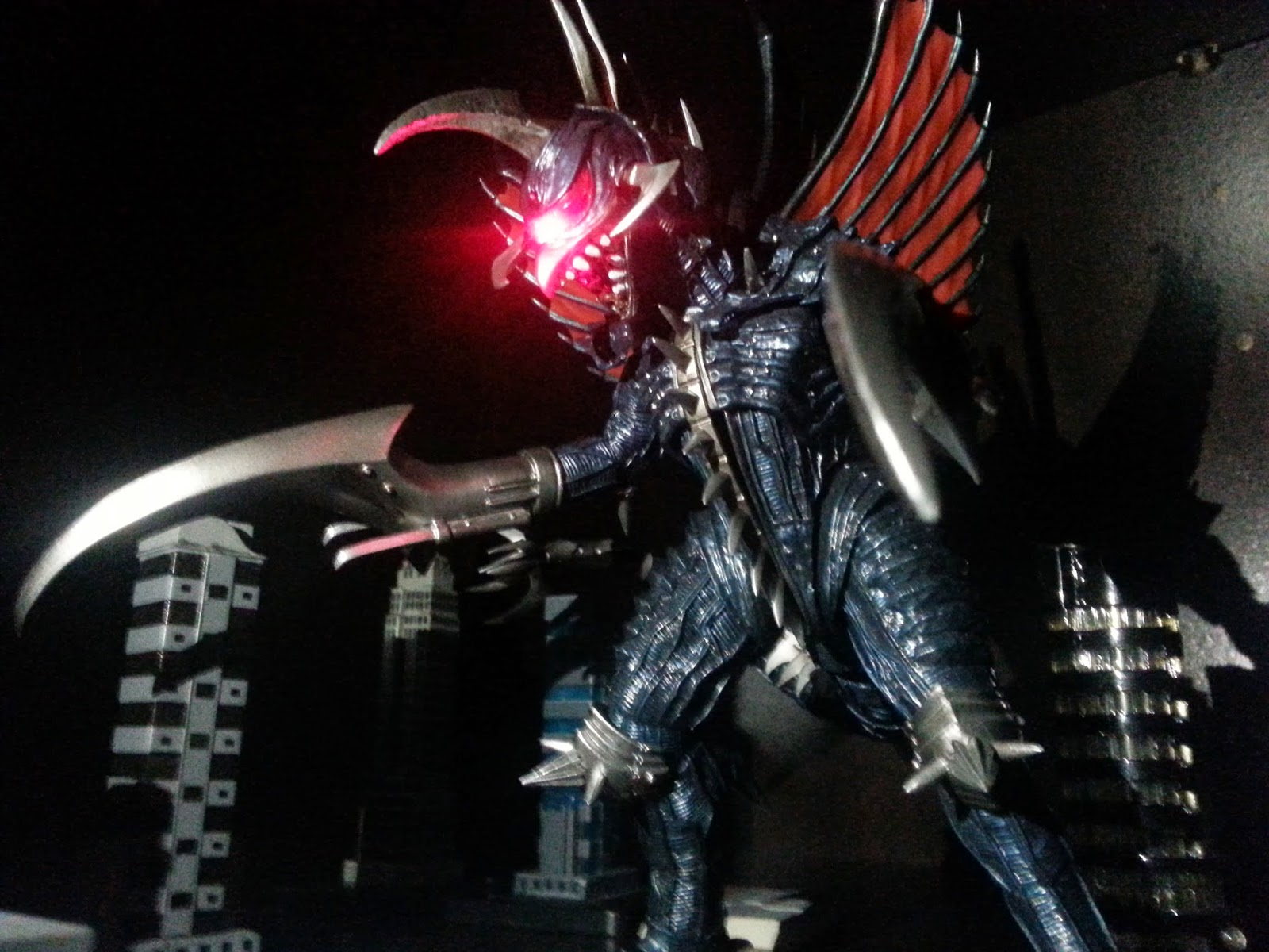 Import Monsters: Review: S.H. Monsterarts Gigan 2004