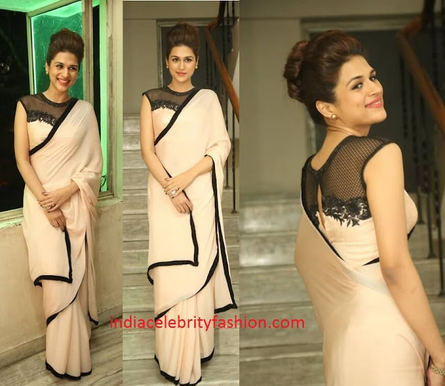 Shraddha Das in Chiffon Saree at Guntur talkies trailer launch