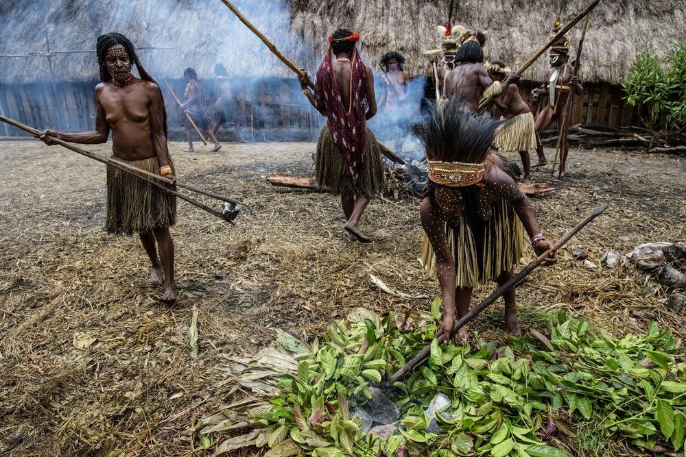 Племена папуасов из долины Балием