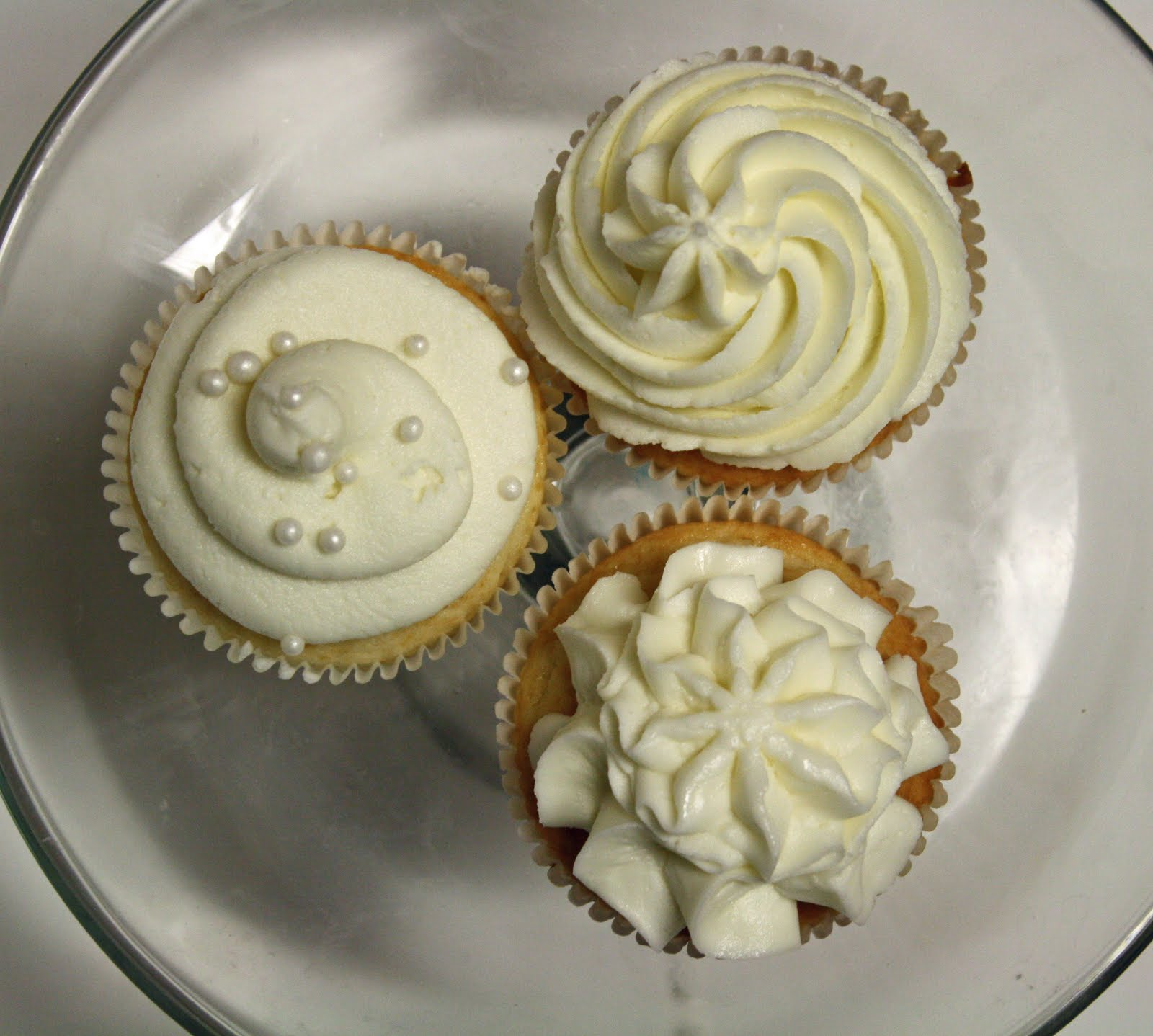 White Almond Sour Cream Cake Recipe… and White Cupcakes with Sugar ...