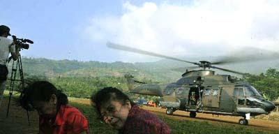 evakuasi korban pesawat sukhoi