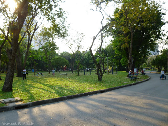 An afternoon in Lumphini Park