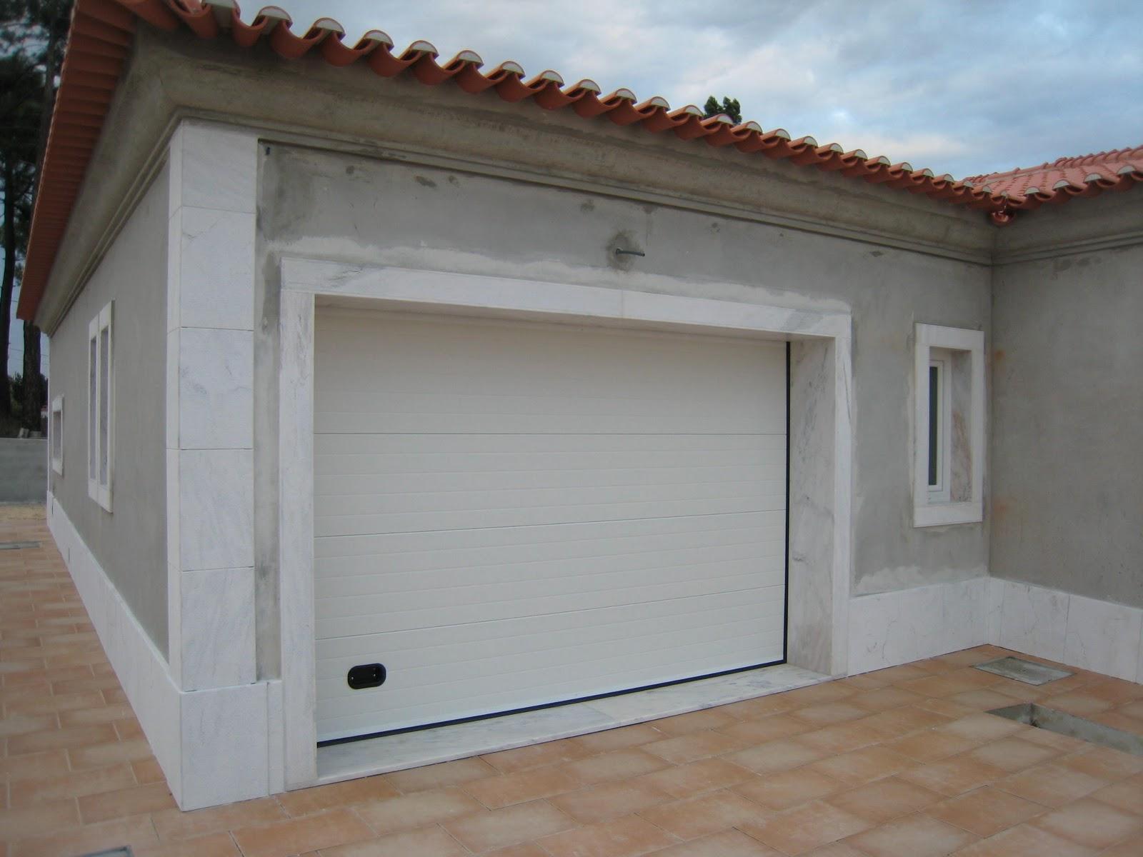 A nossa alegre casinha port o garagem e pavimento interior for Pavimento ceramico interior