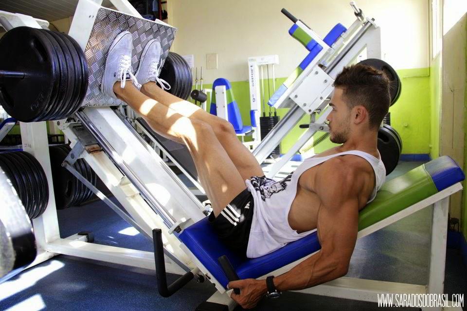Leg press 45 graus - 4 séries de 10 repetições - 230 kg - Foto: Marcos Januário